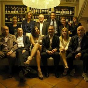 Das Berto-Team beim Abendessen für SofaXManagua
