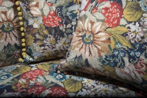 Rivestimenti vintage per divani e poltrone LaMadrid collezione tesisle berto