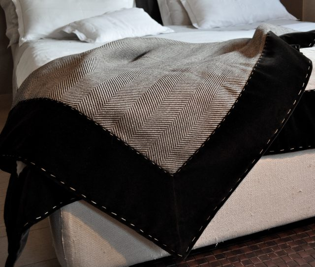 Tessuti Loro Piana Interiors per imbottiti collezione tessile berto