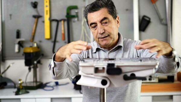 Antonio Citterio BertO goldener kompass Meda