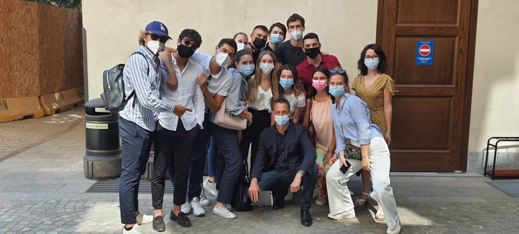 Filippo Berto mit den Studierenden der Università Cattolica Mailand zum BertO Hackathon