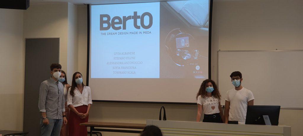 Die Studierenden des Masters in Strategic Digital Marketing der Università Cattolica Mailand arbeiten am BertO-Fall